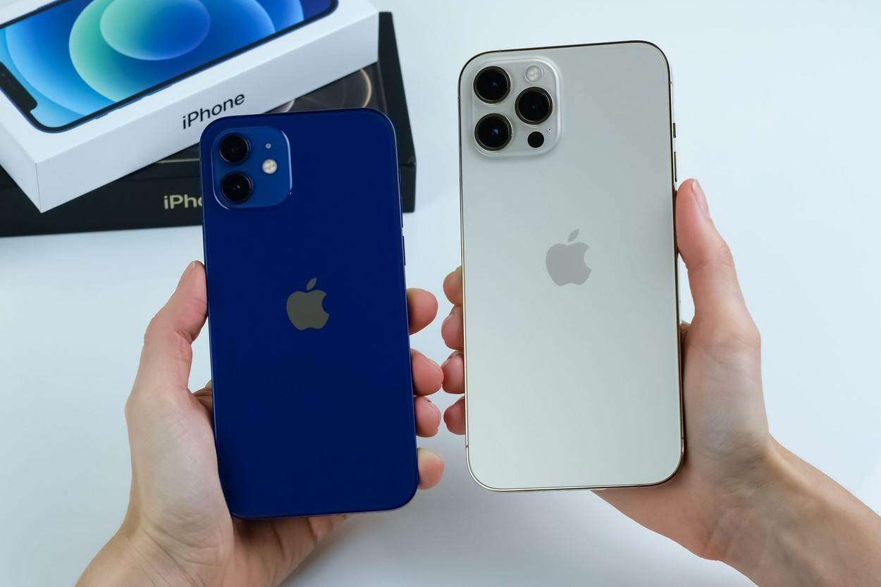 iphone 11;smartphone;new phone;new smartphone;11 pro max 11 pro max iphone;iphone cameras;11 pro max iphone;iphone 12 unboxing;iphone 2020;iphone 12 pro max gold;iphone 12 pro max;iphone 12;12 pro max;apple;iphone 12 pro max in gold;12 pro;12 pro max iphone;12 iphone;12 pro max gold;iphone 12 pro;app;apple store;business;device;digital;display;editorial;electronic;equipment;gadget;internet;midnight green;mobile;online;phone;screen;smart;11 pro max;iphone 12 pro max box;iphone 12 pro box;technology;tech;application;new iphone;cuppertino;12 pro iphone;iphone new;iphone camera;iphone box;EDITORIAL_ONLY;alamyunknown