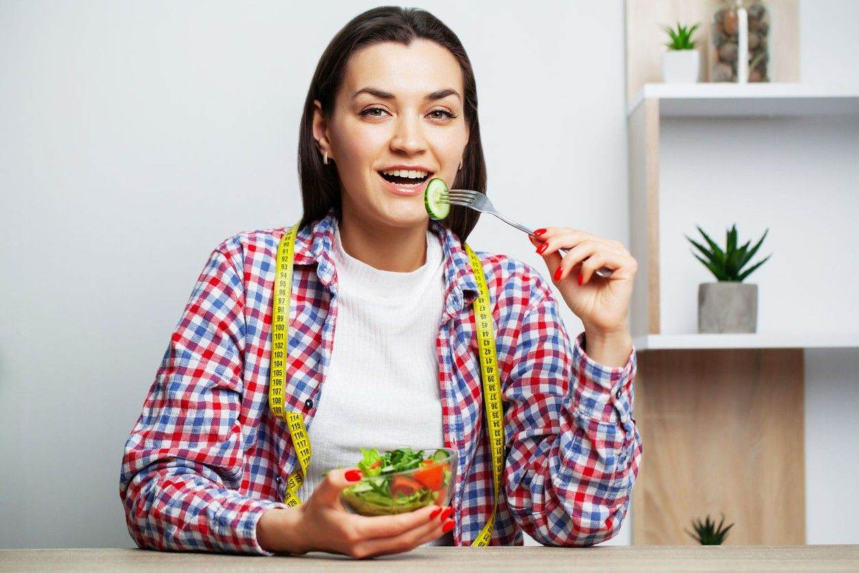 adult;attractive;background;beautiful;beauty;breakfast;caucasian;closeup;color;diet;dish;eat;eating;emotion;face;female;flowerpots;flowers;food;fresh;freshness;fruit;girl;green;greenery;greenhouse;happy;health;isolated;lifestyle;light;meal;natural;nature;organic;people;pepper;pretty;salad;skin;smile;smiling;spring;summer;tea;teapot;vegetable;vegetarian;woman;young