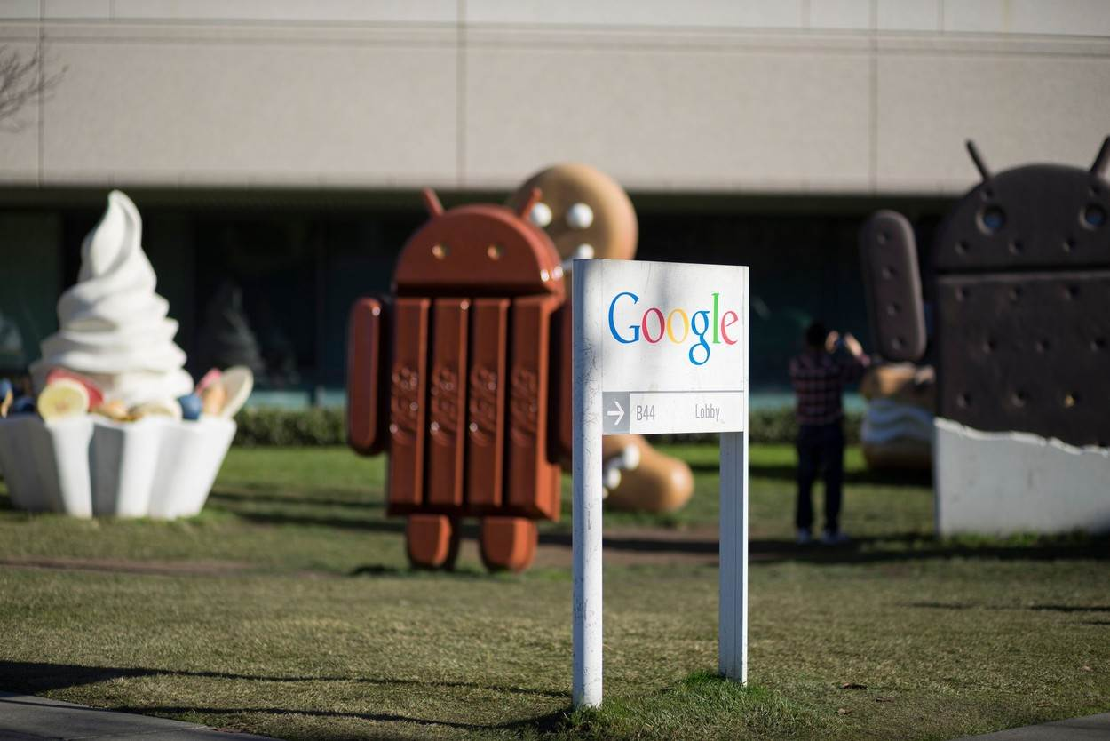 android;kit-kat;kit kat;gingerbread man;google;silicon valley;tech;high tech;hitech;hi-tech;technology;computers;internet;world wide web;people;NOT_EDITORIAL_ONLY