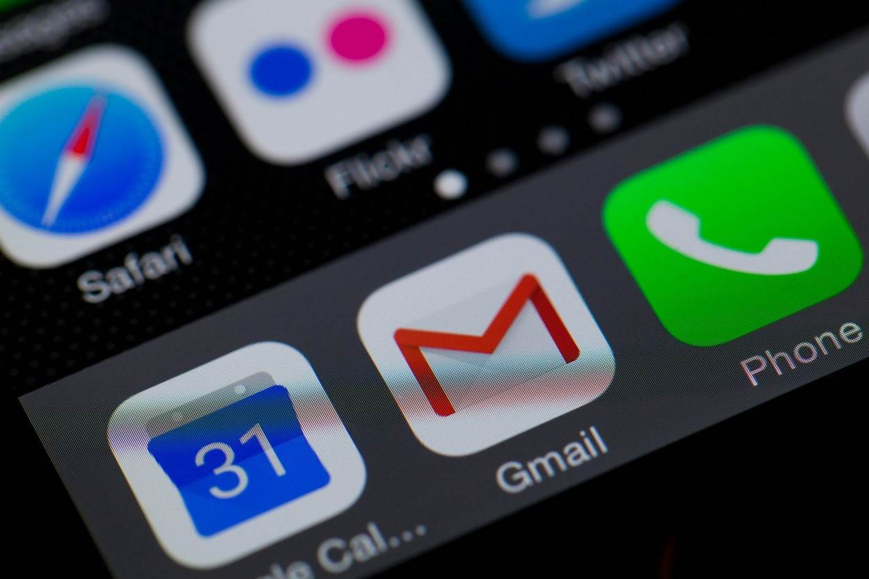 GMail;app;icon;iPhone;screen;email;apps;phone;smart;mobile;ios;9;icons;ap;US;USA;America;American;United States;screen shot;screen grab;NOT_EDITORIAL_ONLY