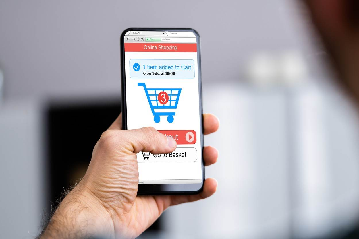 ecommerce;shop;website;holding;online;adult;tech;mobile;package;hand;shopping;parcel;close;up;box;phone;numbers;smartphone;smart;man;customer;payment;buy;cart;checkout;order;retail;cellphone;paying;basket;men;electronic;technology;device;young;purchase;internet;male;human;closeup;caucasian