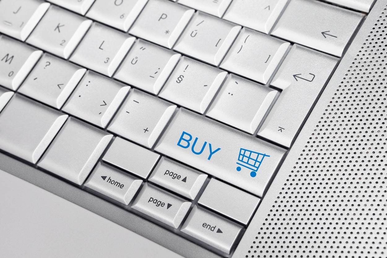 apple;business;button;close-up;control;detail;grey;hardware;keyboard;keypad;office;silver;symbol;technology;tool;type;white;word;workplace;key;sign;concept;conceptual;idea;icon;internet;e-commerce;e-shop;e shop;buy;shopping cart;shopping;www