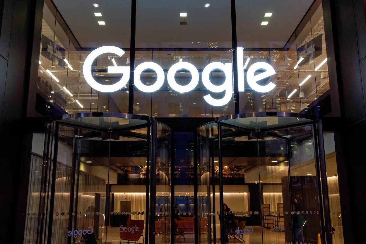 Google;office;offices;Pancras Square;London;headquarters;google office;google offices;technology;building;Kings Cross;Britain;British;England;English;UK;Europe;European;view;architecture;front;center;centre;entrance;facade;exterior;new;city;business;logo;sign;you tube;international;internet;alamyunknown;NOT_EDITORIAL_ONLY