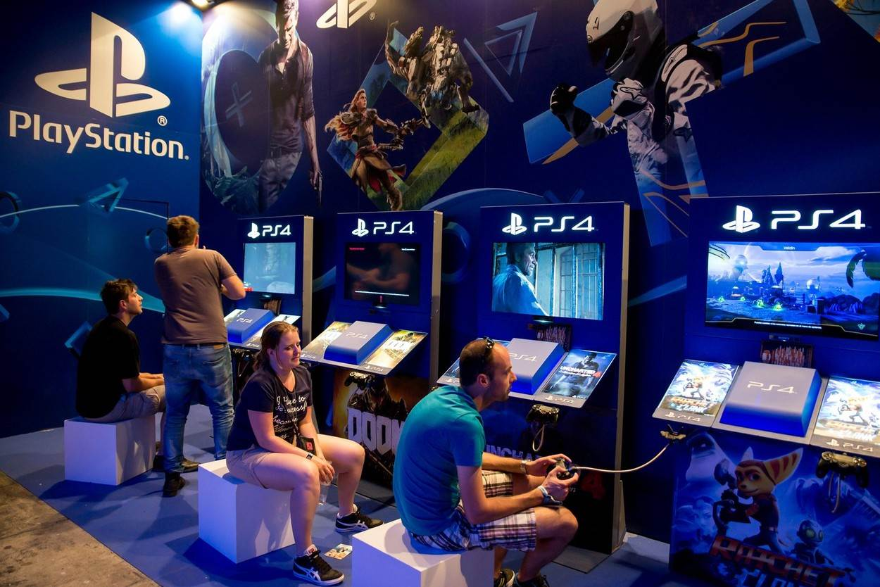 electronic;entertainment;esports;event;game;gaming;people;play;playstation;technology;video;alamyunknown;NOT_EDITORIAL_ONLY