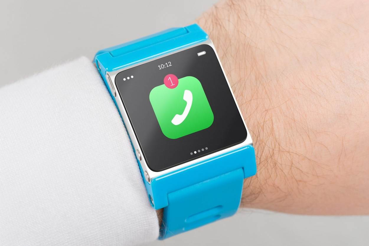 smartwatch smart watch wearable computer wristlet;communication sensory innovation mobility touching sleeve concept;NOT_EDITORIAL_ONLY