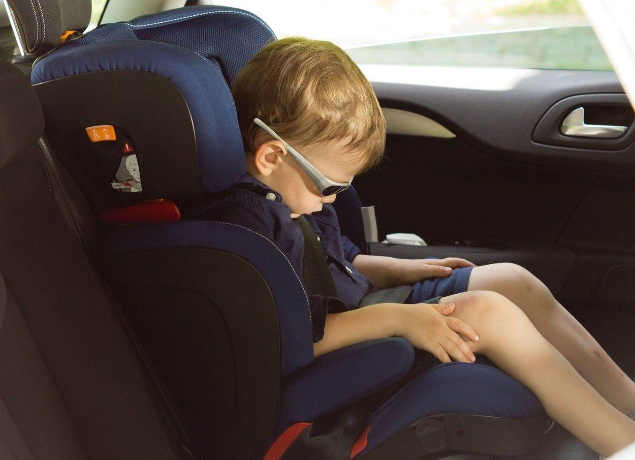 alone asleep bored boy car car-seat child child seat childhood dozing exhausted fatigue inside kid lifestyle little nap person preschooler resting safety sideways sitting sleeping sunglasses tired transport travel vehicle waiting;sitting small smart suave sunglasses transport;people;NOT_EDITORIAL_ONLY