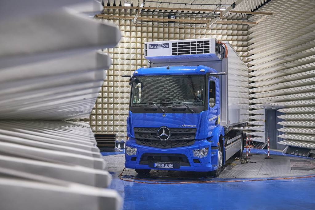 Company;Daimler Trucks;Technology;Daimler Global MediaSite;06 - 2021;eActros;Sustainability;Electric mobility;Trucks;Business News;Mercedes-Benz;MediaSite;Brands & Products;Mercedes-Benz Trucks to usher in a new era: World premiere of th;2021;Press Releases sorted by years