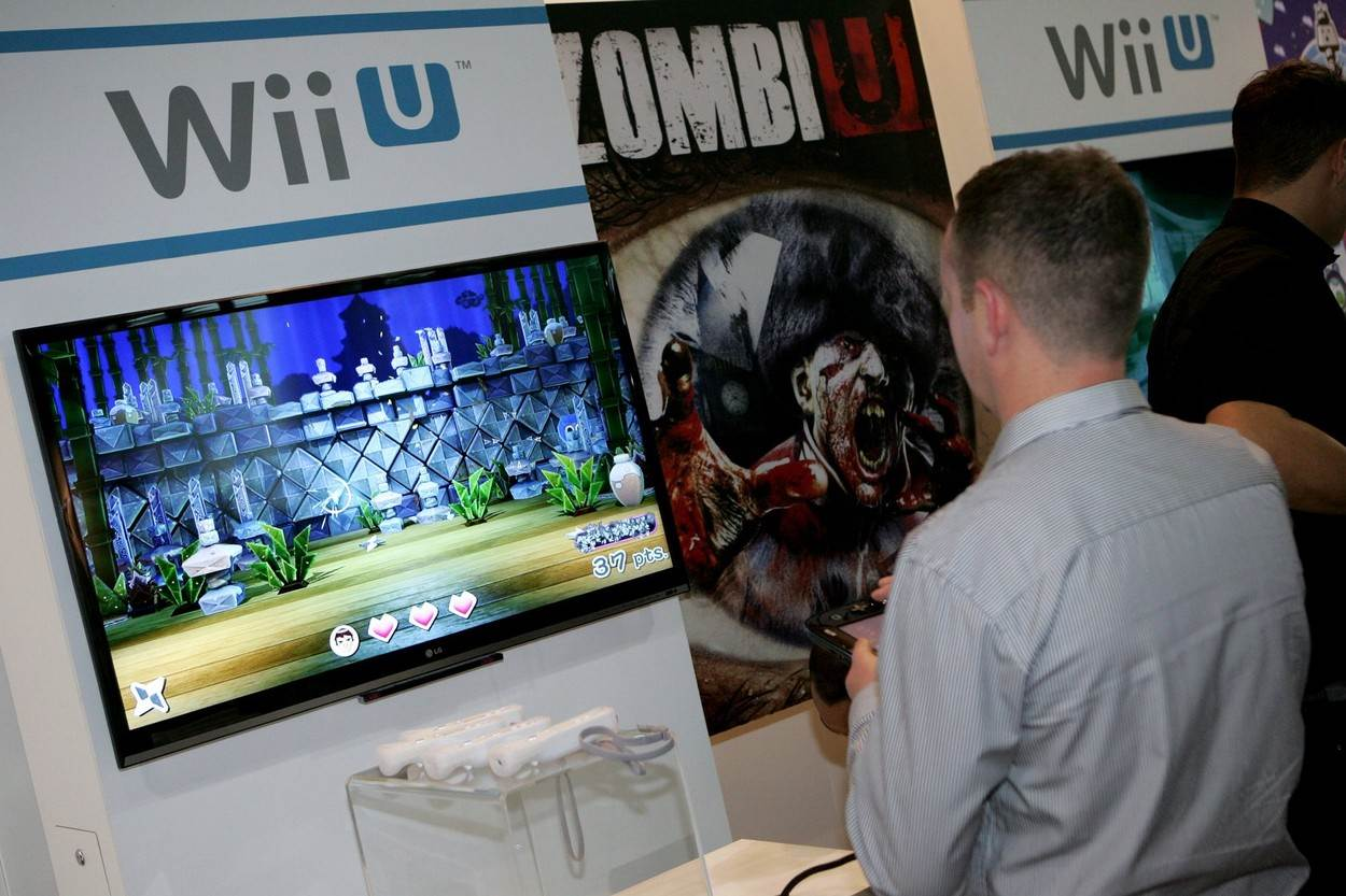 wii u;person playing computer game;nintendo wii u wii u wiiu person playing wii u person playing computer game;people;NOT_EDITORIAL_ONLY