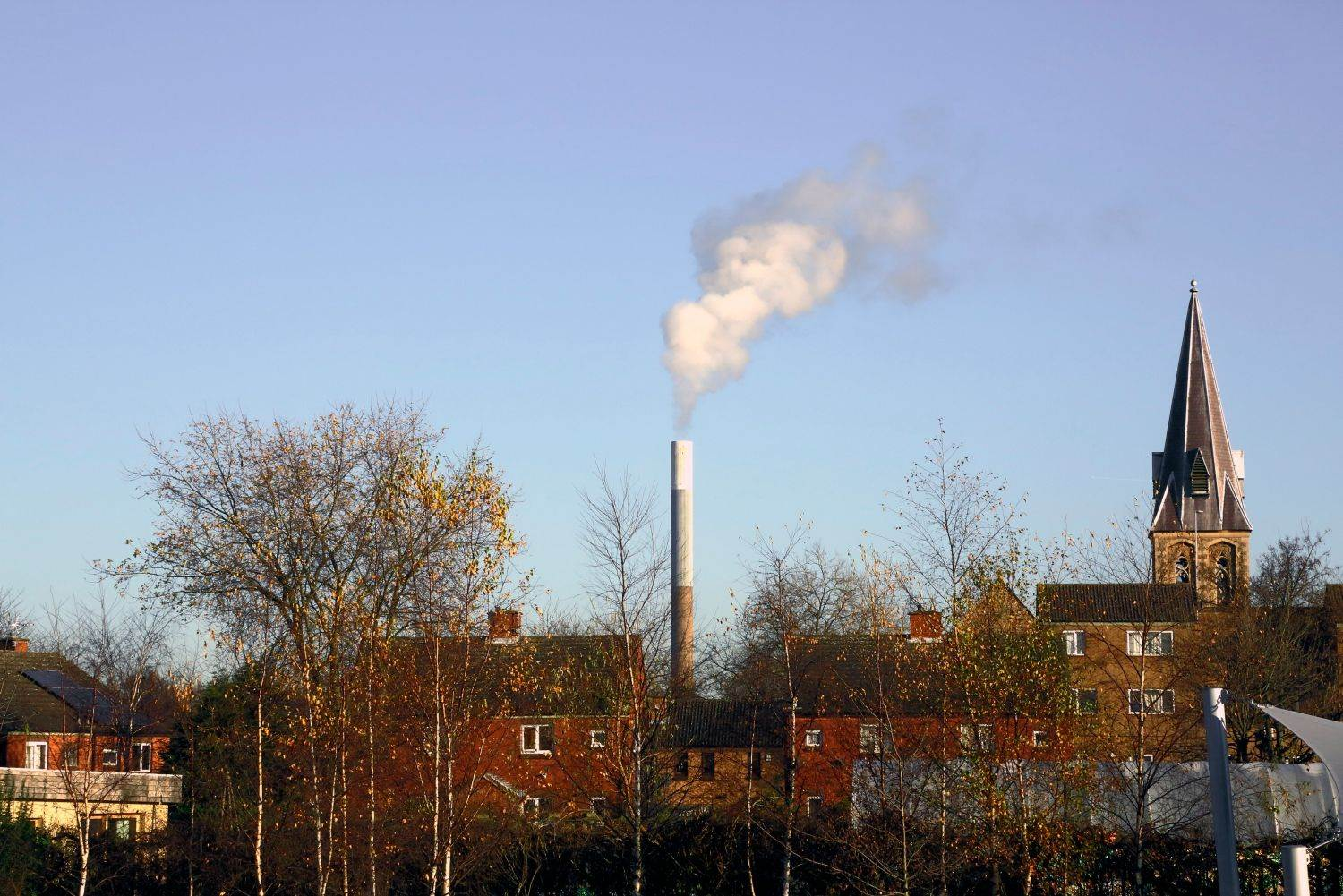 POLLUTION;SMOKE;CHIMNEY;EUROPE;UNITED KINGDOM;UK;ENGLAND;BRITAIN;NOTTINGHAM;POLLUTING;INDUSTRY;ENVIRONMENTAL SCIENCE;AIR POLLUTION;BRITISH;BURNING;CARBON DIOXIDE EMISSIONS;CO2;ENGLISH;EUROPEAN;INCINERATOR;INDUSTRIAL;SMOKESTACK;URBAN;CITY;category_code_environment